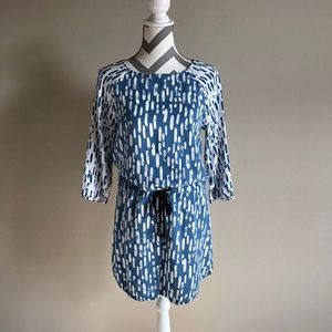 🎄Blue and white Hatley Dress S EUC